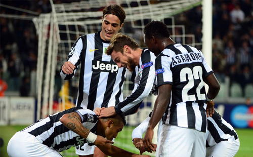 Juventus cruise to first win of CL campaign
