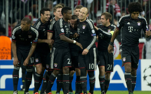 Pizarro leads Bayern rout of sorry Lille