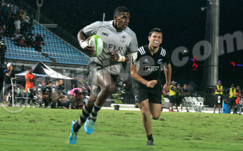 Fiji thumps NZ, defends Oceania 7s title