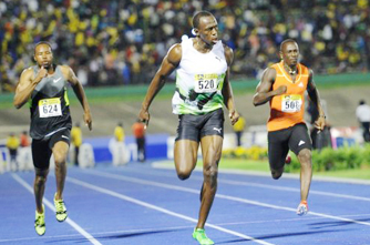 Bolt opens 2012 with world leading 9.82